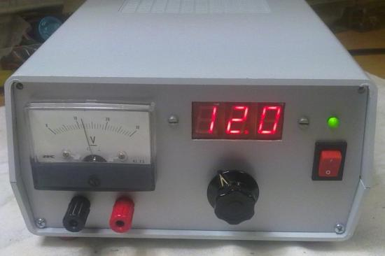 Alimentation Basse-Tension de 0 à 30 volts - Année 2012