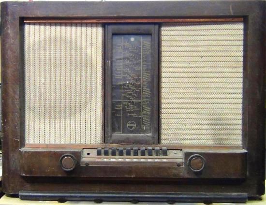 RADIO Type Aachen Super D63 PHILIPS - Année 1939