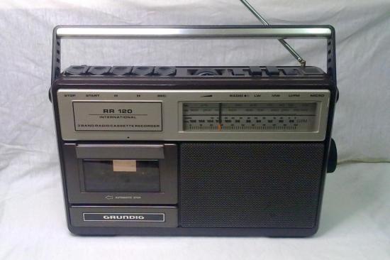 Radio-Cassette RR120 GRUNDIG - Année 1980