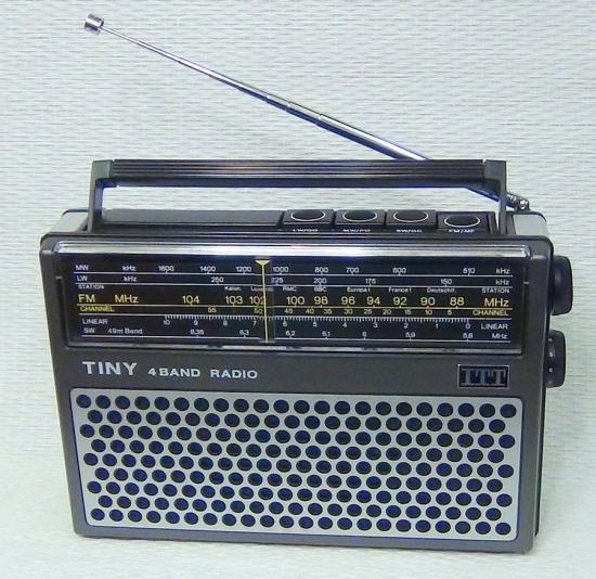 Radio 4 Bandes AM/FM - Tiny 109B ITT - Année 1974-1980
