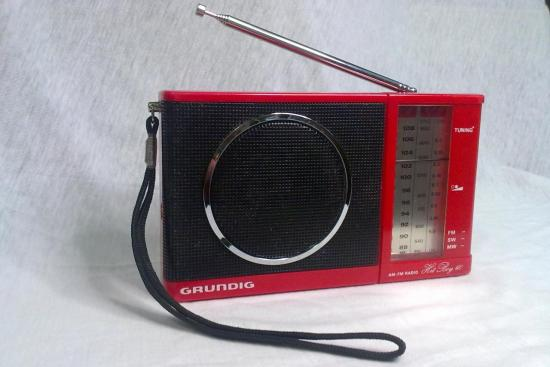 Radio Hit Boy 60 GRUNDIG - Année 1982